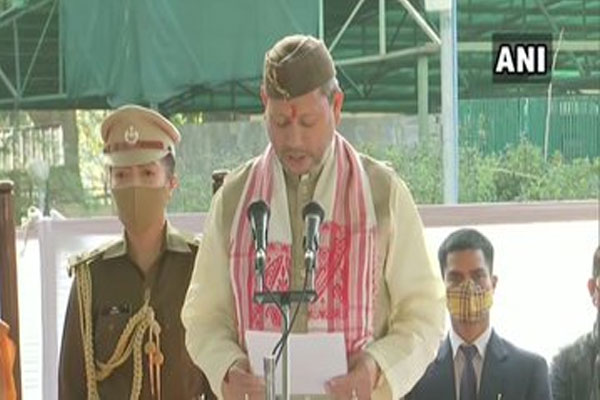 उत्तराखंड : तीरथ सिंह रावत ने मुख्यमंत्री पद की शपथ ली, PM मोदी ने दी बधाई