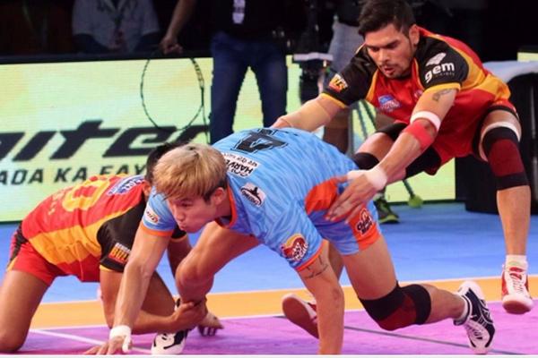 Pro Kabaddi League : Bengaluru Bulls beat Bengal Warriors - Sports News in Hindi