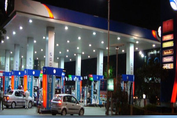 On the order of DM  Petrol pumps begin probe process, four teams constitute - Budaun News in Hindi