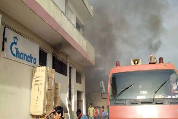 fire in warehouse in Vishwakarma - Jaipur News in Hindi