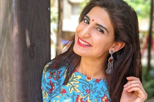 I will not be part of the story that does not show women in a respectable position: Ahana - Bollywood News in Hindi