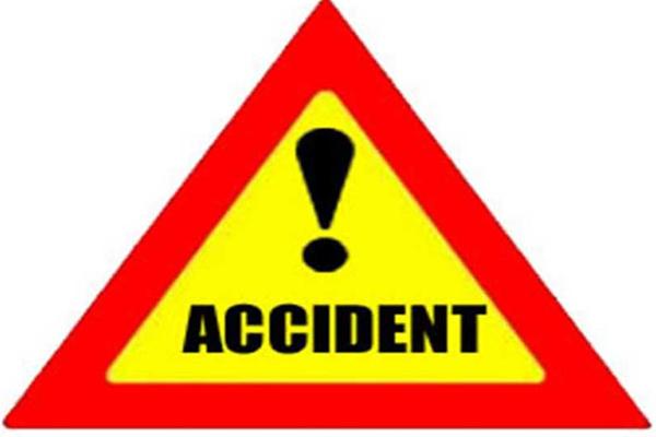 UP : बेकाबू ट्रक घर में घुसा, 3 की मौत, 4 जख्मी