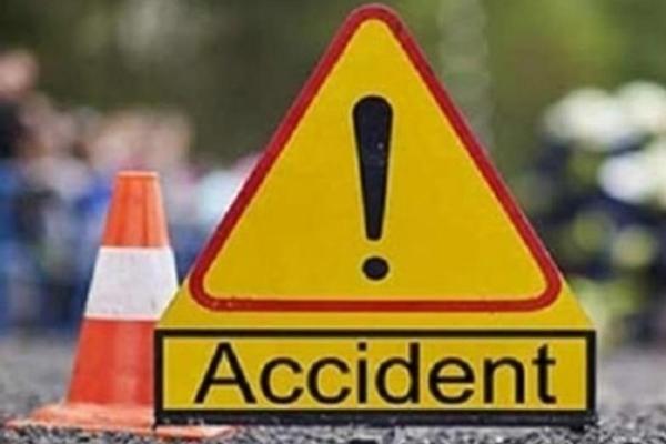 उत्तर प्रदेश : सड़क दुर्घटना में 2 लोगों की मौत