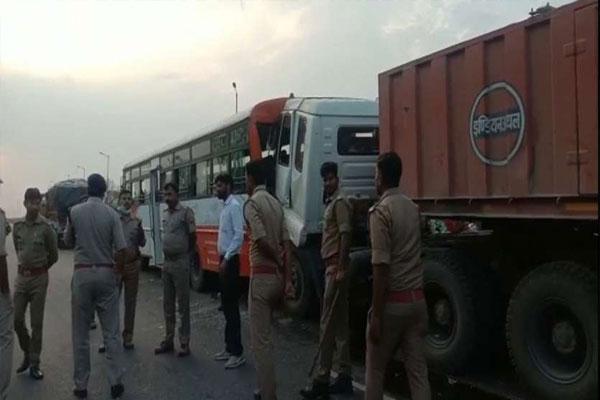 अयोध्या में सड़क हादसे में 6 की मौत