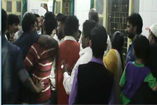 Car and truck collision killing 5 people - Budaun News in Hindi