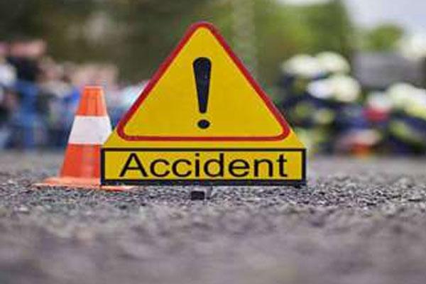 यूपी : बस्ती में बेकाबू ट्रक ने 5 मजदूरों को रौंदा, 3 की मौत
