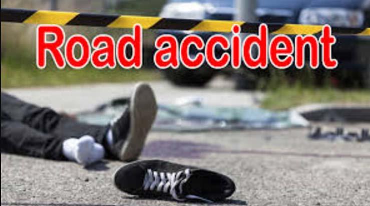उप्र : कार तालाब में गिरी, 5 की मौत