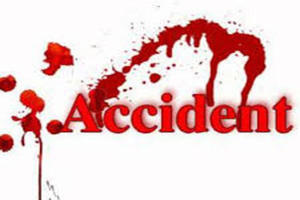 बेकाबू ट्रक का कहर, 5 लोगों को कुचला, 3 की मौत