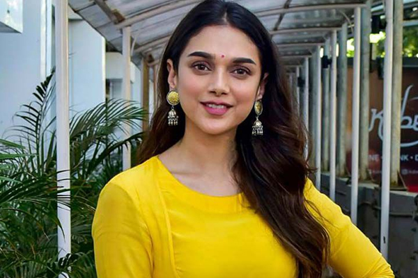 Aditi Rao Hydari: Lockdown made us understand how important OTT platforms are - Bollywood News in Hindi