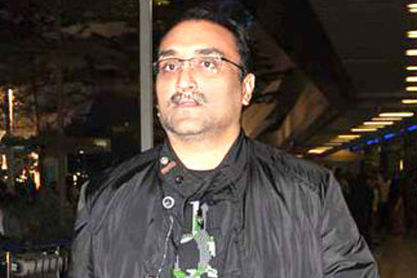 YRF conducts second phase of vaccination for film industry workers - Bollywood News in Hindi
