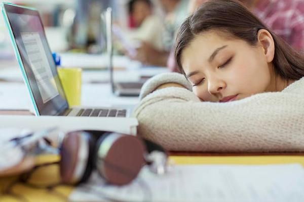 दोपहर की झपकी आपकी कामकाजी याददाश्त को बढ़ा सकती है