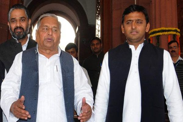 Mulayam Akhilesh discord between what is the truth of  leaked emails ? - Lucknow News in Hindi