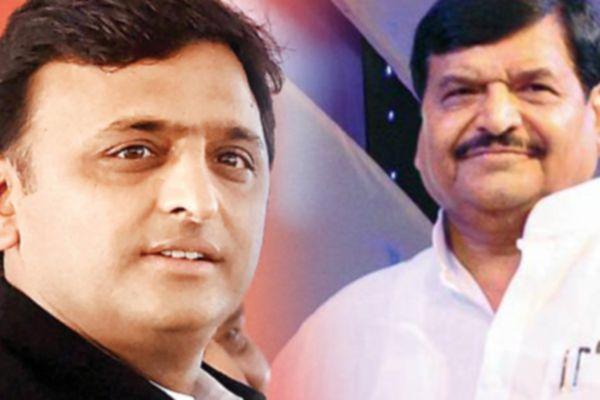 Akhilesh Yadav calls meeting of party MLAs After Mulayam Singhs snub - Lucknow News in Hindi