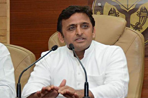 battlelines drawn in samajwadi party, akhilesh meets MLAs, tells them to remain ready - Lucknow News in Hindi