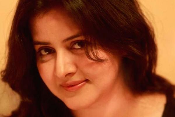 Akriti Singh debut directorial Toofan Mail wins at UK Asian film fest - Bollywood News in Hindi