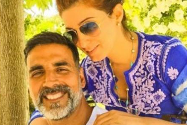 Akshay to Twinkle: You still make my heart flutter - Bollywood News in Hindi