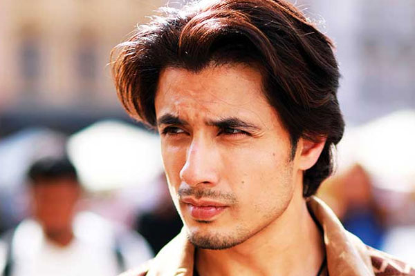 Pakistani actor-singer Ali Zafar prays for wellbeing of India - Bollywood News in Hindi