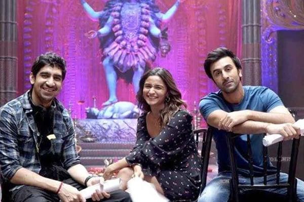 Alia Bhatt posts pics with magical boys Ranbir and Ayan Mukerji - Bollywood News in Hindi