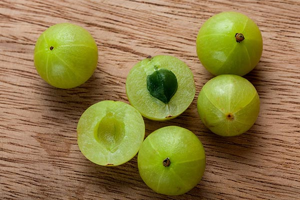 Amla very good for healh and beauty - Home Remedies in Hindi