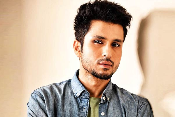 Bhagat Singh more interesting than we ave been told: Amol Parashar - Bollywood News in Hindi
