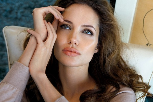 When Val Kilmer could not wait to kiss Angelina Jolie - Masala Gossips in Hindi