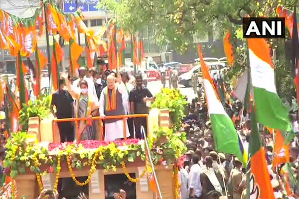 Amit Shah did road show for BJP candidate Khushboo Sundar in Thousand Lights, see photos - Chennai News in Hindi
