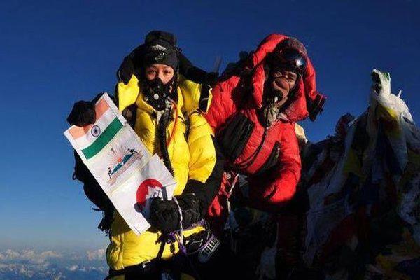 Arunachal Pradesh woman unfurls Indian flag at Mount Everest for fourth time - Itanagar News in Hindi