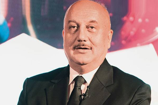 Anupam Kher says his Twitter following shrunk by 80,000 in 36 hours - Bollywood News in Hindi