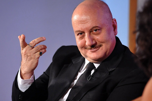 Anupam Kher mantra: I see myself in new people - Bollywood News in Hindi