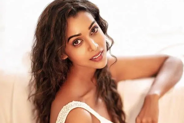 Anupria Goenka on Asur 2 shoot: Talking to people face to face a great feeling - Bollywood News in Hindi