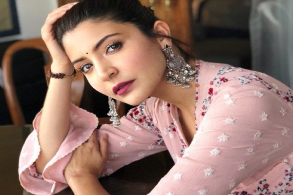 Anushka Sharma: Will be back shooting once I deliver my first child - Bollywood News in Hindi