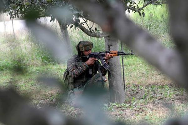 2 Army jawans martyred, 1 militant killed in encounters in Kashmir - Srinagar News in Hindi