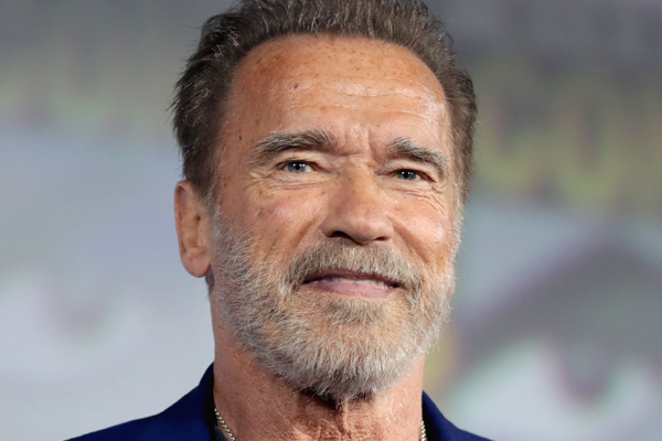 Arnold Schwarzenegger uses his hit movie catchphrases in real life - Hollywood News in Hindi
