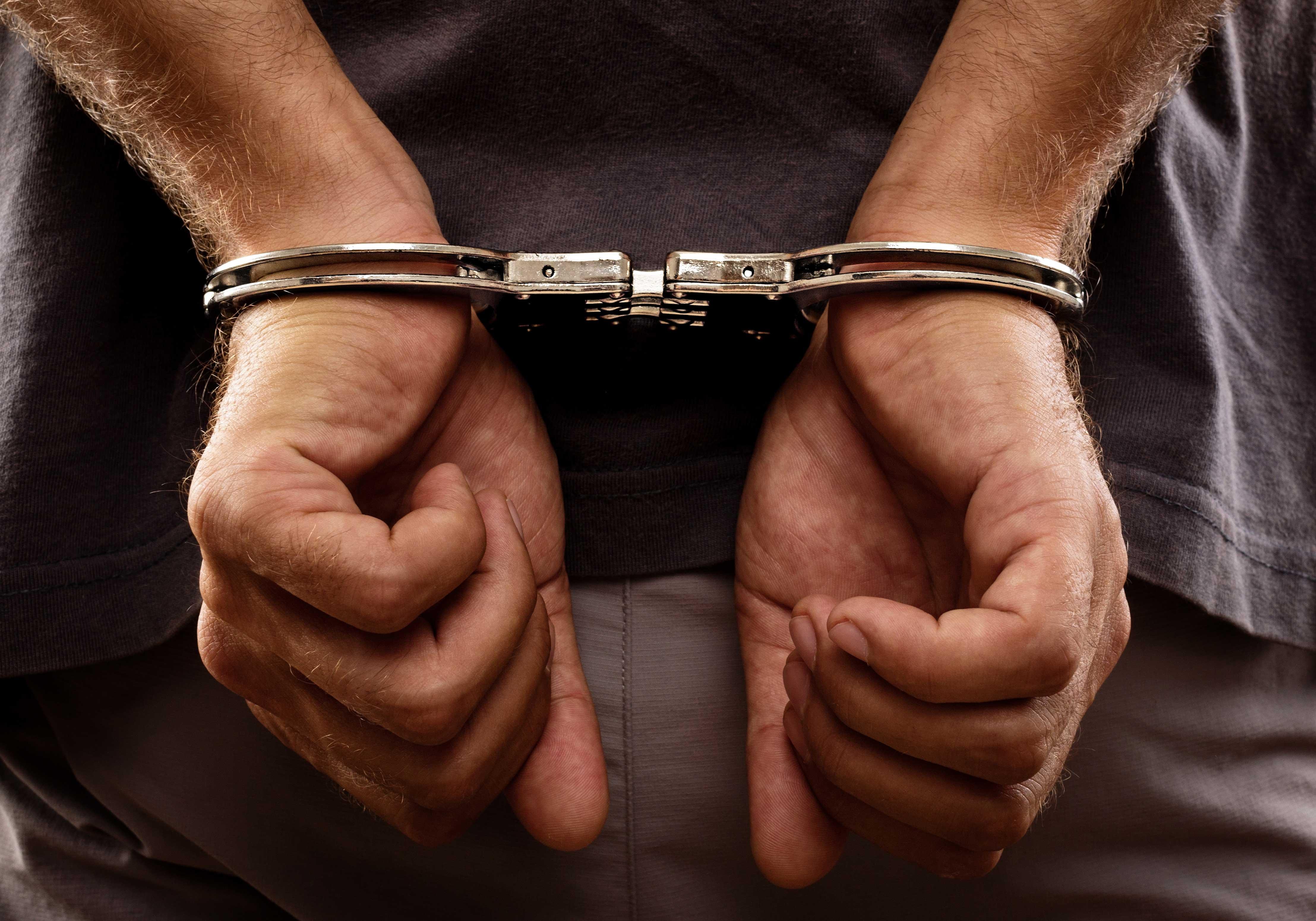 एटीएम तोड़ने के प्रयास में कोचिंग छात्र सहित दो गिरफ्तार