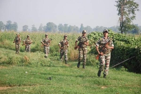 भारत-नेपाल सीमा से एसएसबी ने चीनी नागरिक सहित दो लोगों को पकड़ा