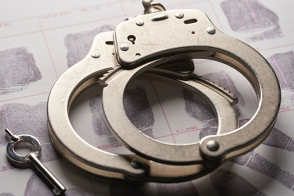 बिहार में गुंडों के हमले में 4 पुलिस वाले घायल, 2 गिरफ्तार