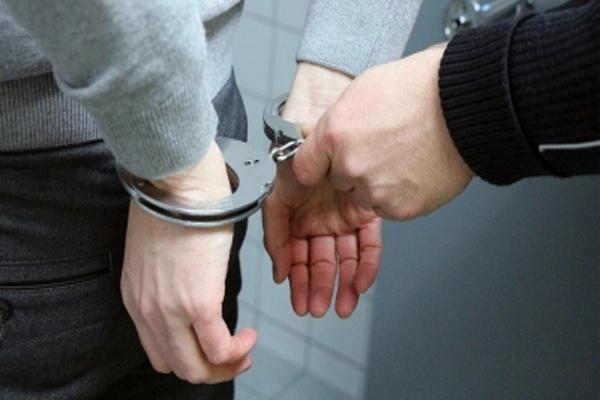 बिहार में राइफल, हैंडग्रेनेड के साथ 3 लोग गिरफ्तार