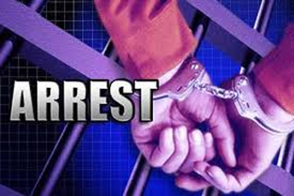 4 people arrested for urinating on a person and breaking the thread - Deoria News in Hindi