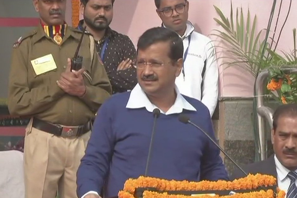 School bus attacked: We should hang our heads in shame: Kejriwal - Delhi News in Hindi