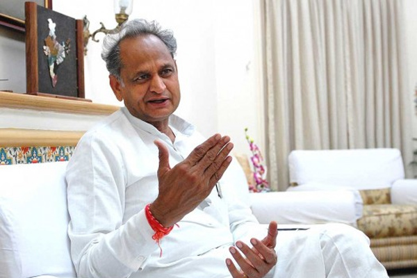 Government fails to treat and prevent swine flu - Gehlot - Jaipur News in Hindi