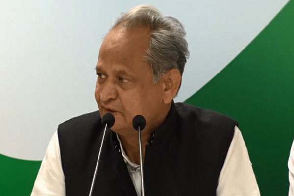 Gehlot appeals to the Center, remove the age limit for taking the Covid vaccine - Jaipur News in Hindi