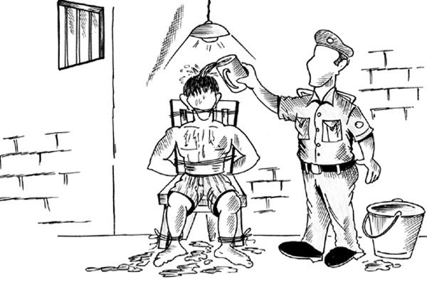 थाने में युवकों को नंगा कर पीटा, वीडियो वायरल, थानेदार जबरन रिटायर
