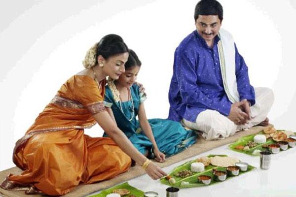 इस दिशा में मुह करके भोजन करना माना जाता है शुभ, धन और आयु में होती है वृद्धि