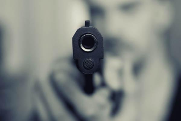 Fearless miscreants in Noida, 5 bike-borne miscreants robbed journalist at gunpoint - Noida News in Hindi