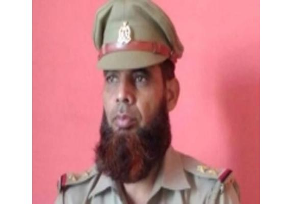 यूपी में अनुमति के बिना दाढ़ी रखने पर पुलिसकर्मी निलंबित