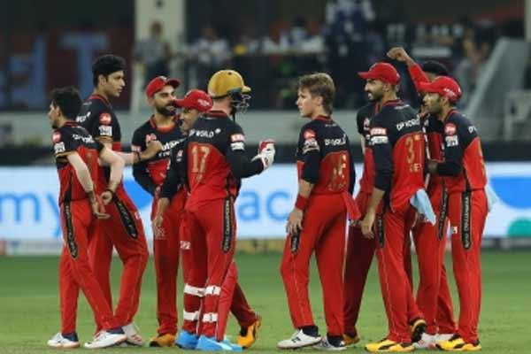Bangalore bowler Daniel Symes infected with Corona - Cricket News in Hindi