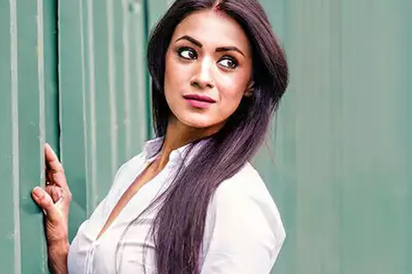Barkha Bisht to feature in series inspired by 2010 Pune bombing - Bollywood News in Hindi