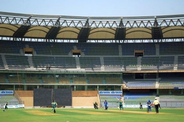 BCCI plans to shift Mumbai to other IPL matches - Cricket News in Hindi
