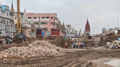 Corona cornered on Kashi corridor, work slowed down - Varanasi News in Hindi
