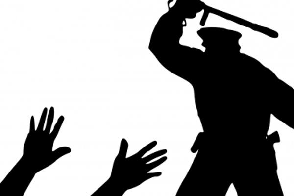 पुलिस से युवक को पिटवाने वाले छत्तीसगढ़ के कलेक्टर की हरकत से IAS एसोसिएशन नाराज